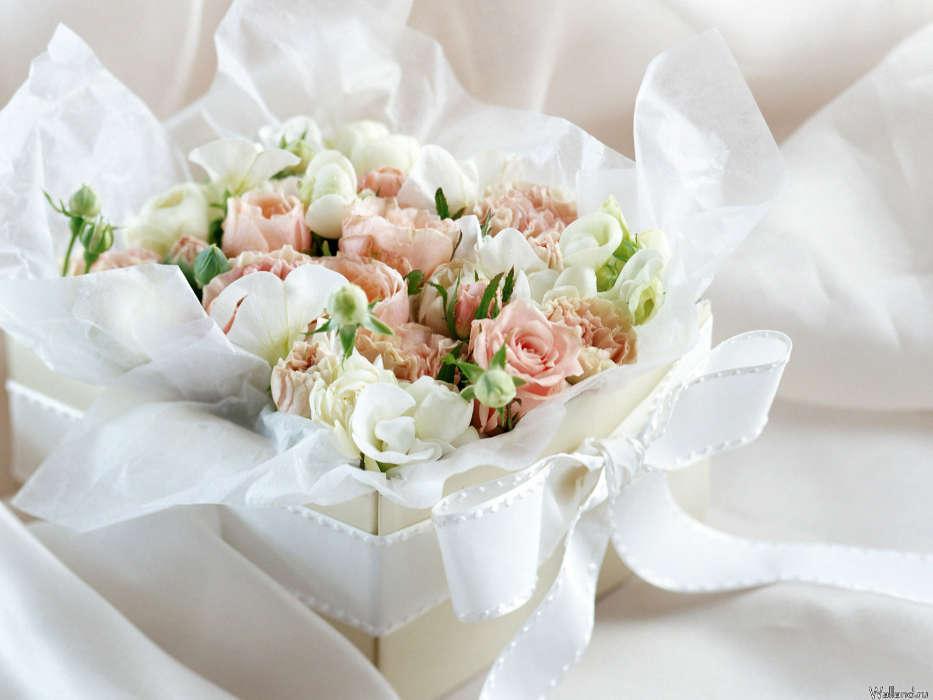 Розы в подарок на свадьбу 76